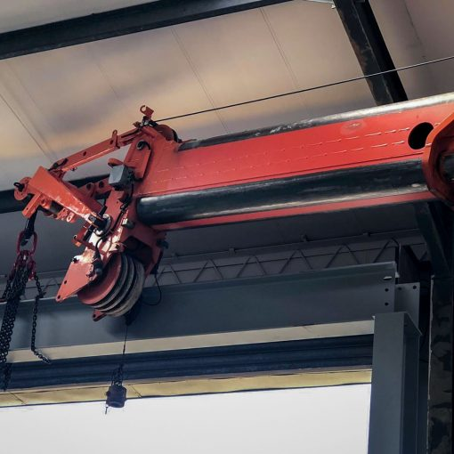 Runner providiRunner providing high lift capabilities even within low ceiling ng high lift capabilities even in low ceiling building