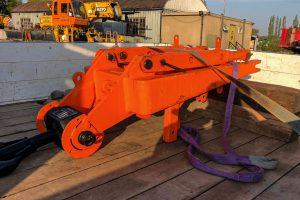 Demag runner attachment for low ceilings