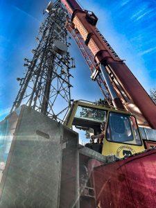 Mobile crane upgrading mast, Swindon