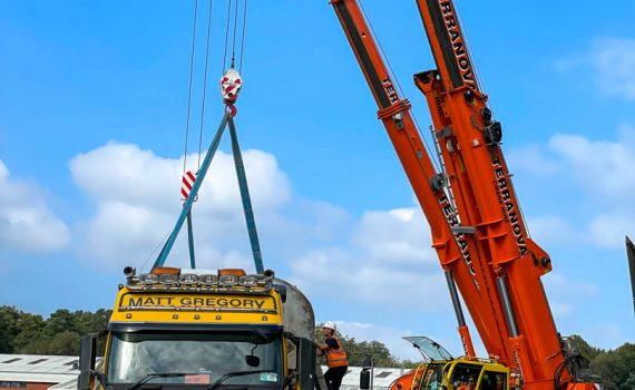 Multi-crane lift - Demag AC45